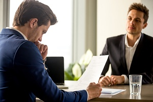 situation where an employee should consider hiring an employment law attorney